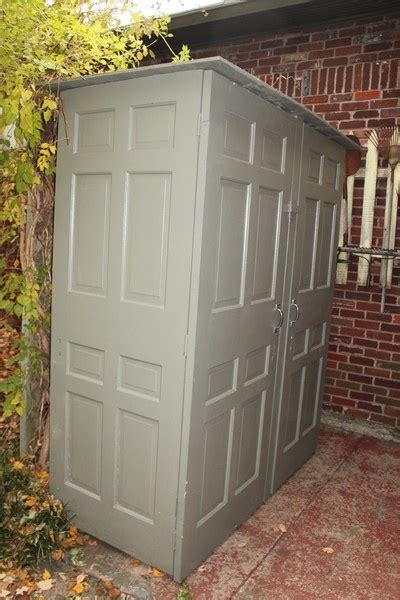 lowes rubbermaid shed 1000 ideas about rubbermaid storage shed on