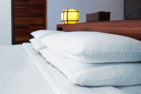 how to clean bed pillows how to wash polyester filled bed pillows