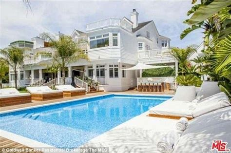 maison de justin bieber justin bieber drops 80k a month to lease lavish 10 bedroom lake house in la daily mail