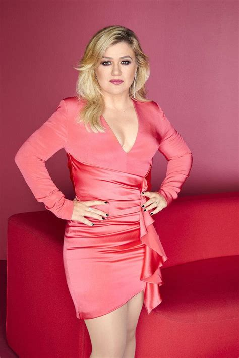 Kelly Clarkson Shares Lesson She's Learned After Split ...