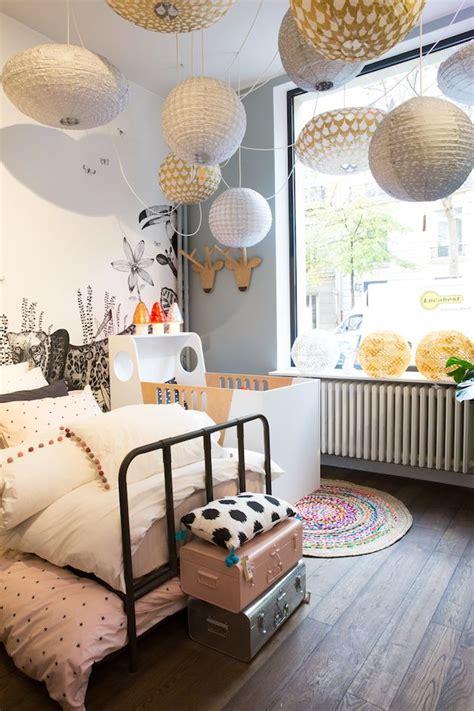 les chambres de l h e antique les 25 meilleures idées concernant papier peint blanc sur