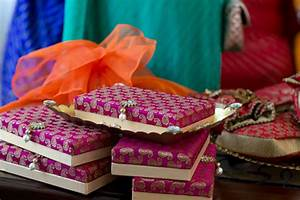 Mehndi gifts for bride – Wedding celebrations
