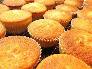 Easy Recipe Of Plain CupCakes Food Recipes And Cooking Tips