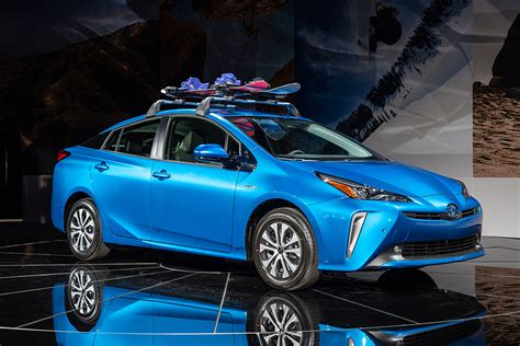 2019 Toyota Prius Pictures by New 2019 Toyota Prius Facelift Arrives Pictures Auto