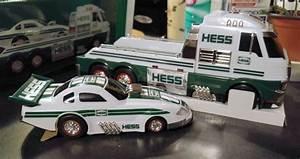 Garage Hess : 17 best ideas about hess toy trucks on pinterest atari video games fisher price and vintage toys ~ Gottalentnigeria.com Avis de Voitures