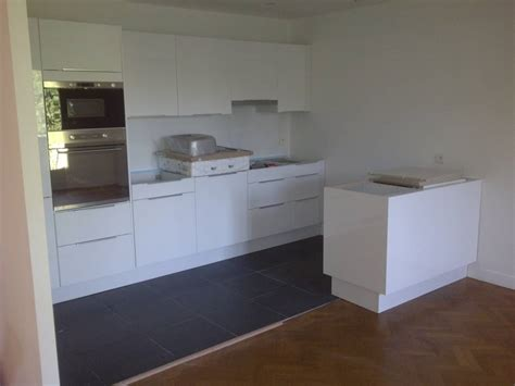 cuisine pose comprise pose d 39 une cuisine neuve ikea dans un appartement à aix en