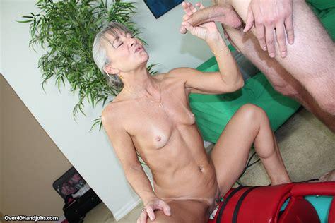 Horny Mature Caught Fucking A Sex Machine Pichunter