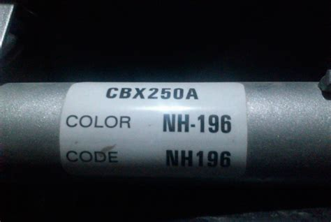como encontrar el codigo de color de mi coche