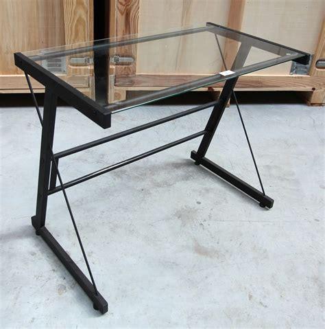 petit bureau en verre petit bureau en acier laque noir et plateau en verre