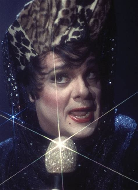 30 Famous Actors Dressed in Drag