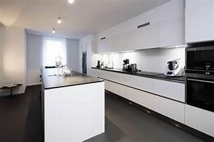 Peinture Spéciale Cuisine : peinture de cuisine comment faire entrer la couleur ~ Melissatoandfro.com Idées de Décoration