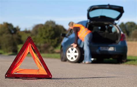 tips  handling  tire blowout video travelers insurance