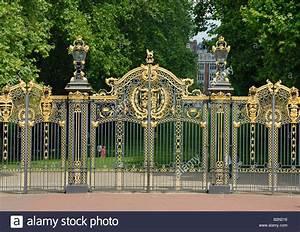 Kensington Palace Garden Gates, London Stock Photo ...