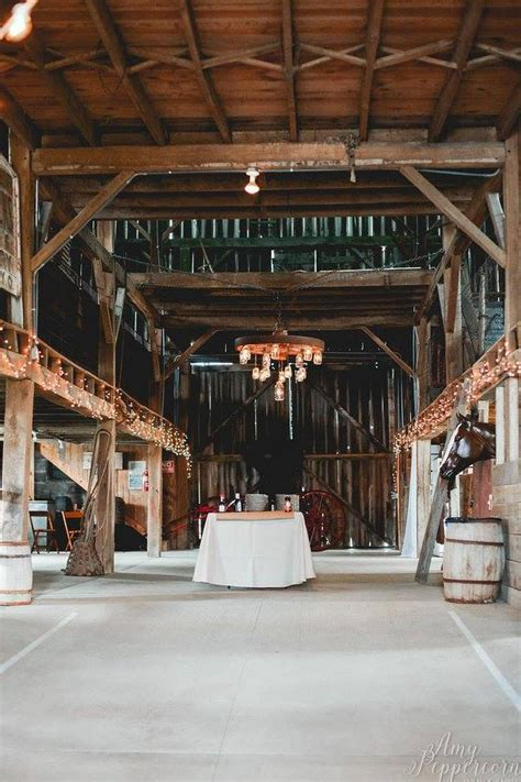 barn wedding venues in ohio the burnison barn weddings get prices for wedding venues