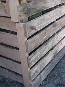 bas composteur bois amovible grace cheville bois With peinture mur exterieur couleur 11 fabriquer un composteur en palette ou bois de recup