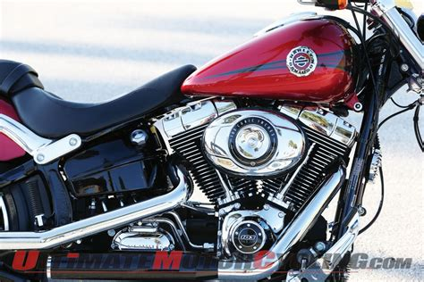 Review Harley Davidson Breakout by 2013 Harley Davidson Breakout Review