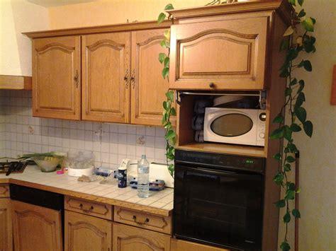 repeindre sa cuisine en chene rénover une cuisine comment repeindre une cuisine en