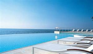 Chaise Longue Piscine : chaise longue design pour terrasse de piscine atout piscines le blog piscine ~ Preciouscoupons.com Idées de Décoration