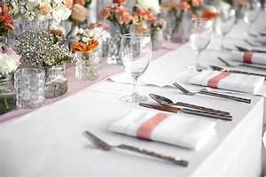 Nappe Tissu Pas Cher : nappe rectangle polyester 180x300 blanche noel ~ Teatrodelosmanantiales.com Idées de Décoration