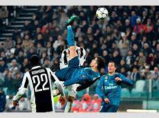 Ibrahimovic Tantang Ronaldo Cetak Gol Salto Jarak Jauh