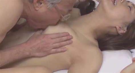 Film Jepang Kakek Vs Cucu Cewek 17