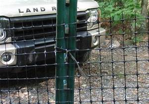 How to build a quick easy and inexpensive dog fence for Easy dog fence ideas