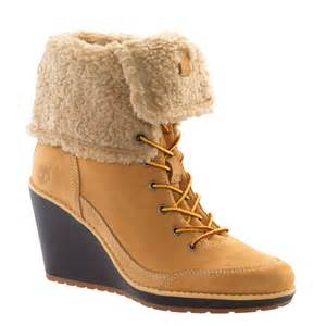 womens boots like timberlands 39 s earthkeepers meriden lined fold boot wheat from carlton uk