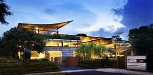 une villa contemporaine entouree dune vegetation en With materiaux exterieur de maison 15 magnifique extension bois avec piscine interieure