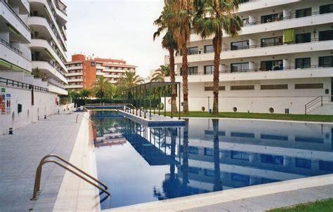 appartement avec terrasse et piscine proche plage et port aventura salou location de