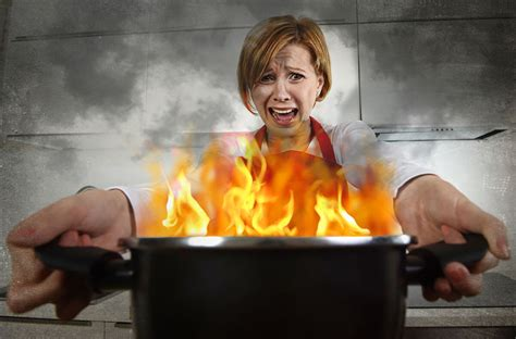 the burning kitchen top 10 kitchen safety do s and dont s taste of home