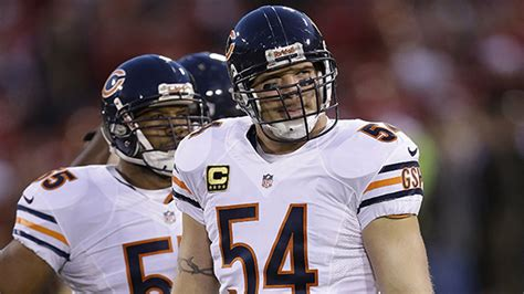 Former Chicago Bears player Brian Urlacher inducted into ...