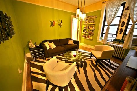 Zebra Themed Living Room Ideas by Themed Living Room With Zebra Print Carpet