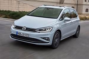 Volkswagen Golf 2018 : vw golf sv 2018 review by car magazine ~ Melissatoandfro.com Idées de Décoration