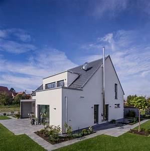 Moderne Häuser Mit Satteldach : moderne h user satteldach mit garage ~ Lizthompson.info Haus und Dekorationen