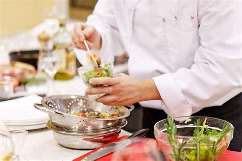 cours de cuisine avec un chef cours de cuisine avec un chef au menu à brest 29 wonderbox