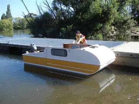 Diy Boat by Diy Micro Cer That Doubles As A Micro Houseboat