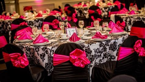 hot pink black and white wedding theme getting