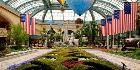 Botanical Gardens Halloween by Hotel Bellagio El Fin Y El Inicio De Una Era En Las Vegas