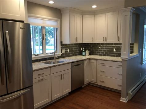 vancouver kitchen cabinets 17 best images about kitchen on kashmir white 3116