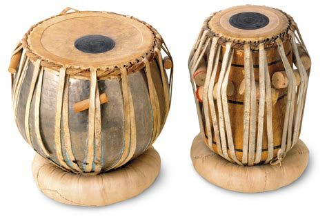 The keyboard is played with the right hand while the left hand is used to operate the bellows. Indian Music Facts   Indian Musical Instruments   DK Find Out