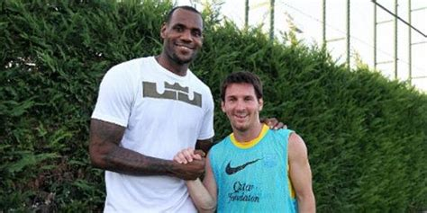 Get the latest nba news on lebron james. FC Barcelone: Nike réunit Messi et Lebron James… Regardez