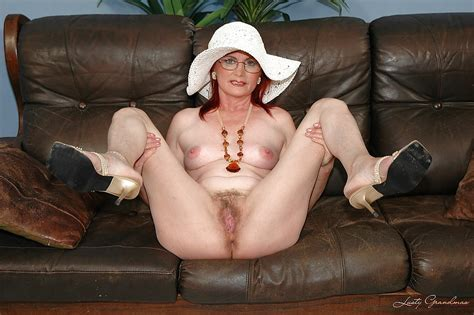 Stunning Granny In Glasses Stripping And Spreading Her