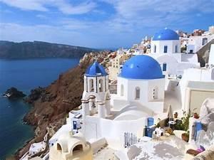 Santorini honeymoon weather and travel guide for Honeymoon packages santorini greece