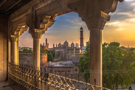 lahore fort shahi qila lahore beautiful places  pakistan