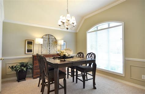Home Star Staging Staged Then Re Staged A Dining Rooms
