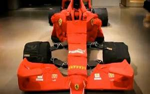 Vetement Formule 1 : v tements formule 1 video insolite une formule 1 construite avec des v tements le blog de ~ Carolinahurricanesstore.com Idées de Décoration