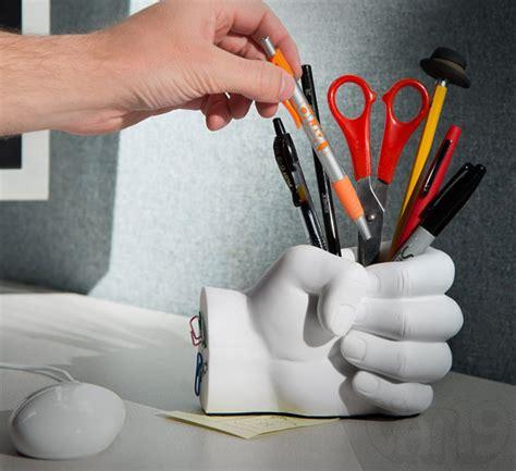 fist  holder  paper clip magnet