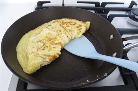 how to make an omelette how to make an omelette goodtoknow