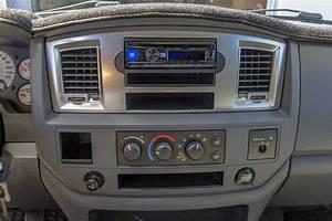 2007 Dodge Ram 2500 Deck And Speakers Twelve Volt