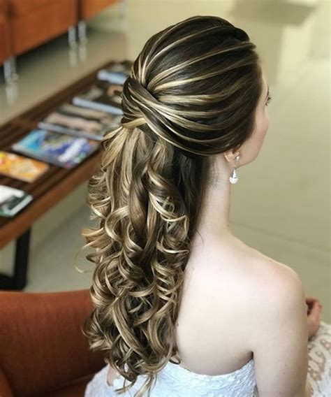 15 unbelievable long curly wedding hairstyles to look